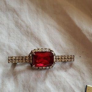 Jewelry - Vintage red rhinestone brooch
